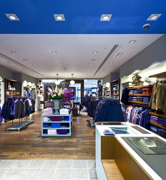 17711be48f In Europe's biggest shopping centre, Ansorg has implemented an effective  lighting concept for the fashion brand Gant, in which LED equipment came  into play ...