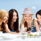 Thumbnail-Photo: New research shows tech use in restaurants is up...