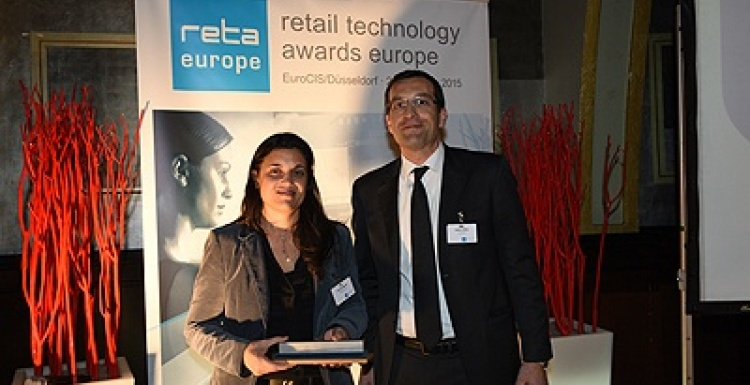 Photo: Pricer's mobile shopper solution for Carrefour wins award...