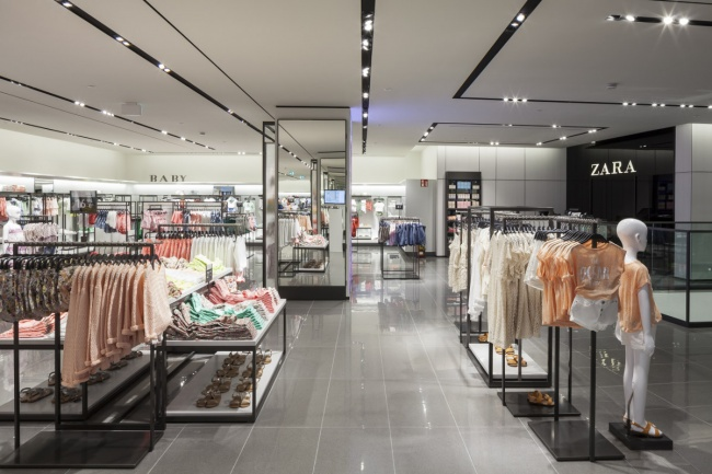 What shop design can look like zara in hamburg ixtenso for Design outlet hamburg