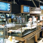 Thumbnail-Photo: Shopping experience with culinary treats