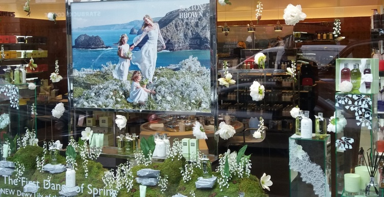 Visuelles marketing makrotrends f r das jahr 2017 ixtenso magazin f r den einzelhandel - Schaufensterdekoration weihnachten ...