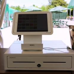 Thumbnail-Photo: Golf tournament patrons experience streamlined checkout...