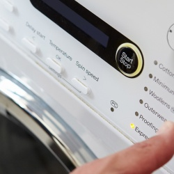 Thumbnail-Foto: Immenser Druck auf den Amazon Dash Button