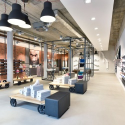 Thumbnail-Photo: What shop design can look like: Sneakstar in Flensburg...