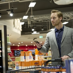 Thumbnail-Photo: Philips Lighting installs first supermarket with indoor positioning in...