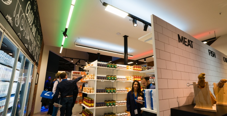 Photo: Philips Lighting cracks code how colored lighting boosts supermarket...