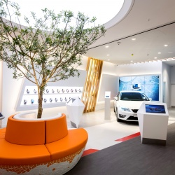 Thumbnail-Photo: Always in motion: SEAT rolls out new concepts for its dealerships...