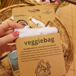 Thumbnail: Photo: No more needless packaging waste in food retailing...
