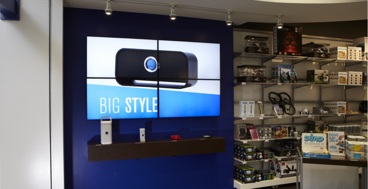 Photo: Toshiba lifts customer experience & sales for Brookstone...