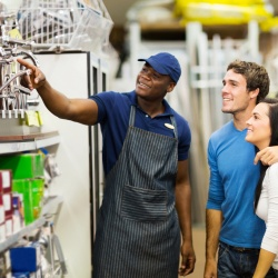 Thumbnail-Photo: Need for on-demand workers increases in retail industry...