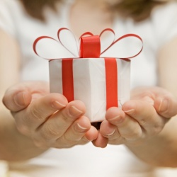 Thumbnail-Photo: 75 percent of British adults admit purchase decisions changed by rewards...