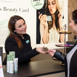 Thumbnail: Photo: Douglas: A more personal sales approach with the new Beauty Card...