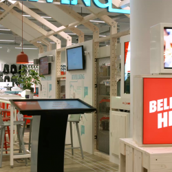 Thumbnail-Photo: MediaMarkt Eindhoven: Inspiring customers with interactive technologies...