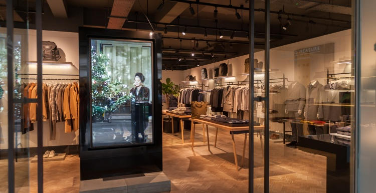 Photo: Elo helps Hardy Amies deliver a tailor-made digital experience...