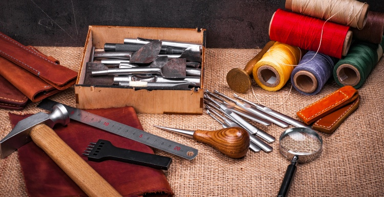 Tools on a table; Copyright: panthermedia.net/ArtKvitka...