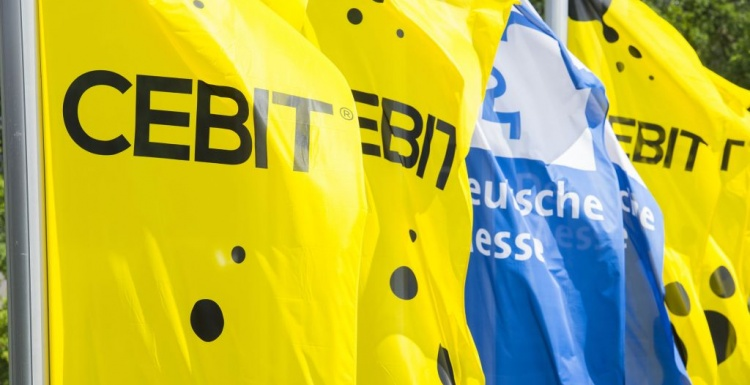 Flags of trade fair Cebit; copyright: Deutsche Messe, Hannover...