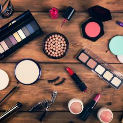 Thumbnail-Photo: U.S. prestige beauty industry sales grow six percent in 2018...