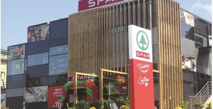 Big SPAR store from the outside; copyright: SPAR International...