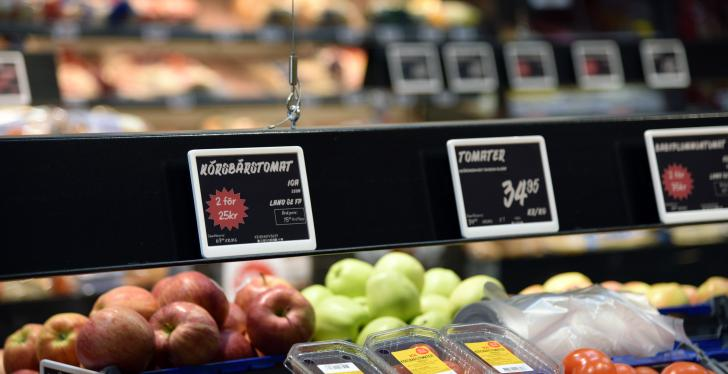 Electronic shelf labels in a food store; copyright: Delfi...