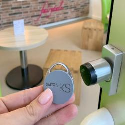 Thumbnail-Photo: Cloud access control for Fairytale Frozen Yogurt...