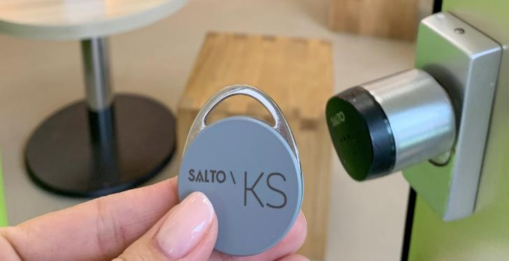 Cloud-based access control SALTO KS secures the six shops of Fairytale Frozen...