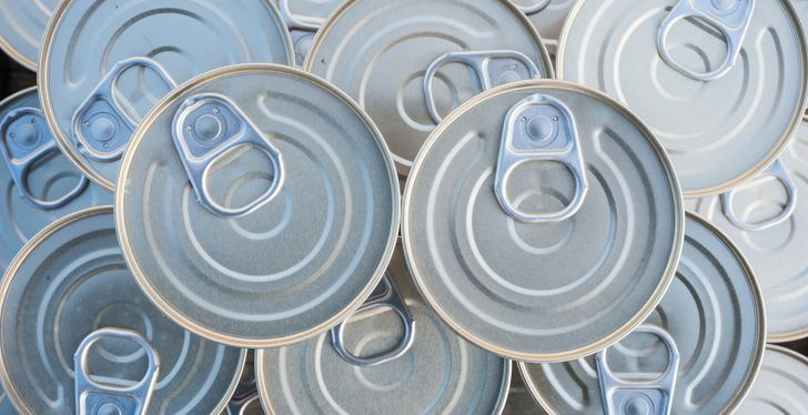A stack of tin cans