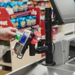 Thumbnail-Photo: Corona crisis: Contactless payment more popular than ever...