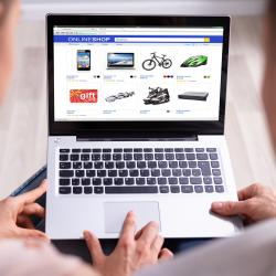 Thumbnail-Photo: 26 percent of UK shoppers plan to spend more online after COVID-19...