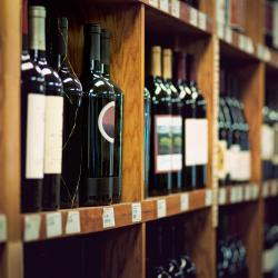 Thumbnail-Photo: Pandemic fuels wine sales at grocery & convenience stores...