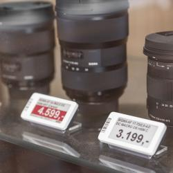 Thumbnail-Photo: Electronic shelf labels: photo store introduces new technology...