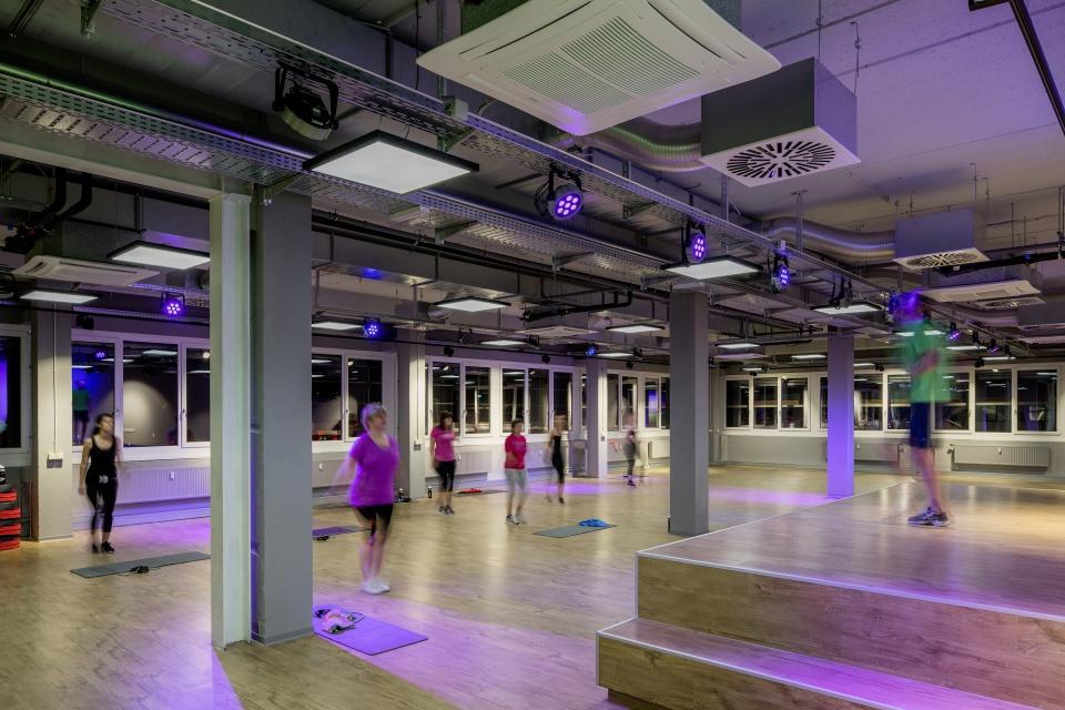 Foto: Fit Durch Licht: Beleuchtung Unterstützt Workout Und Wohlbefinden.