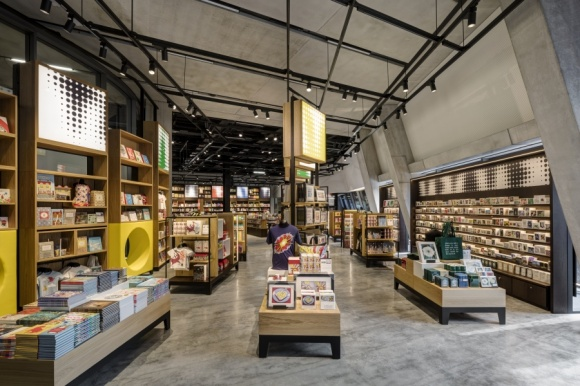 New retail interior at tate modern ixtenso magazine for retailers
