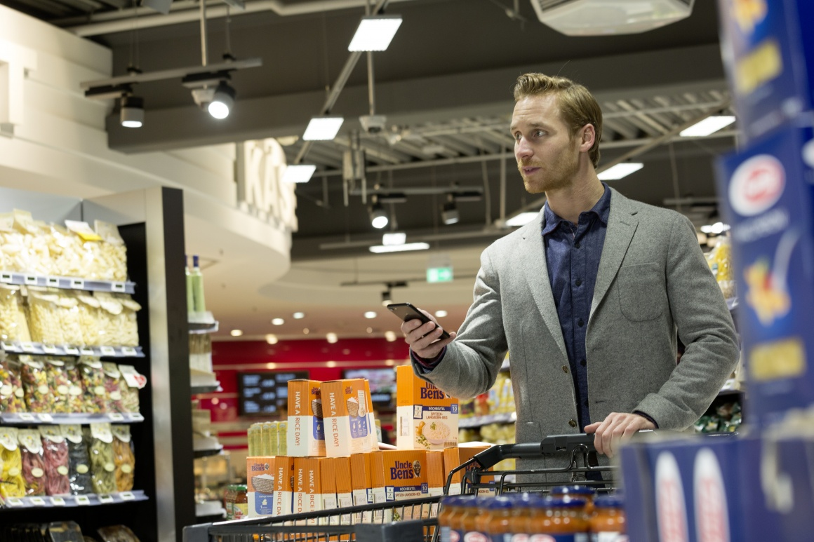 Photo: Philips Lighting installs first supermarket with indoor positioning in...