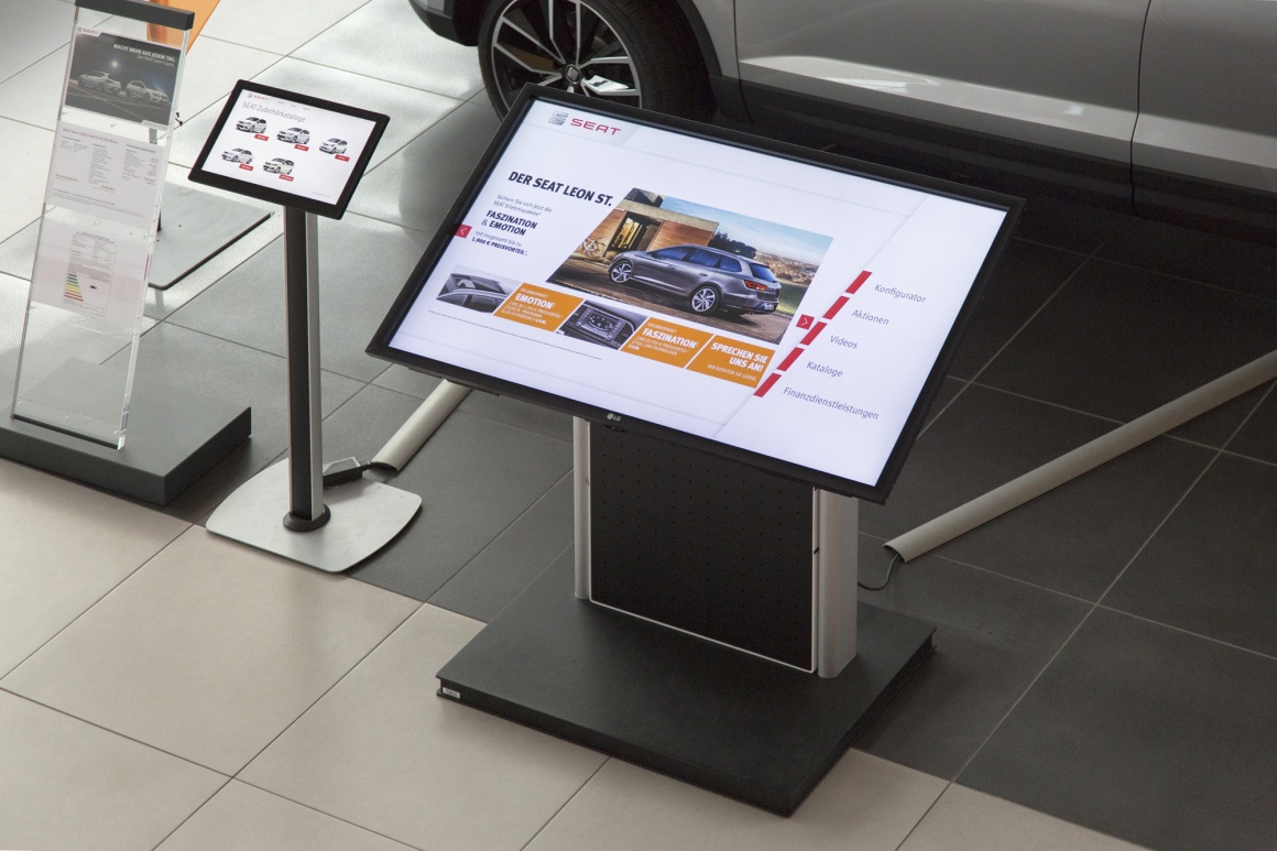 Photo: Always in motion: SEAT rolls out new concepts for its dealerships...
