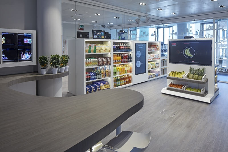 Accenture opened its largest innovation hub for the retail, fashion