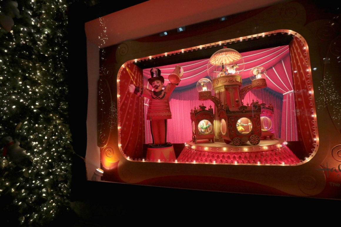 Photo: Lord & Taylor unveils 2017 Holiday windows