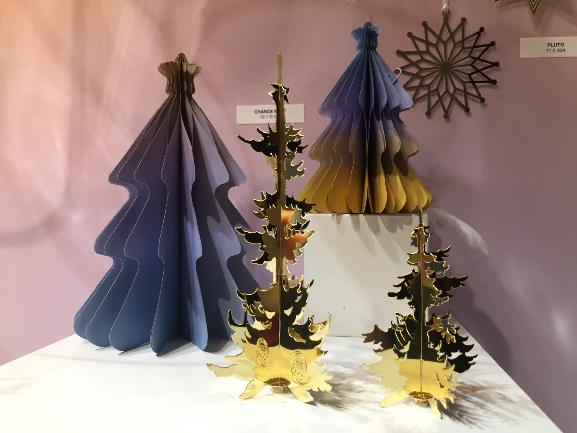 Christmas Tree Decorations 2019.Decorative Trends Christmas 2019 2020 Ixtenso Magazine