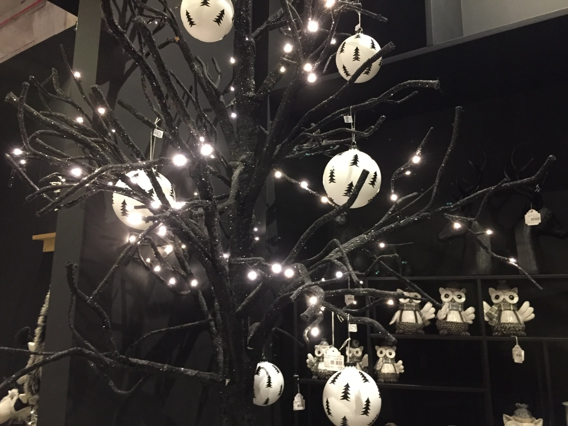 Holiday Christmas Trends 2019.Decorative Trends Christmas 2019 2020 Ixtenso Magazine