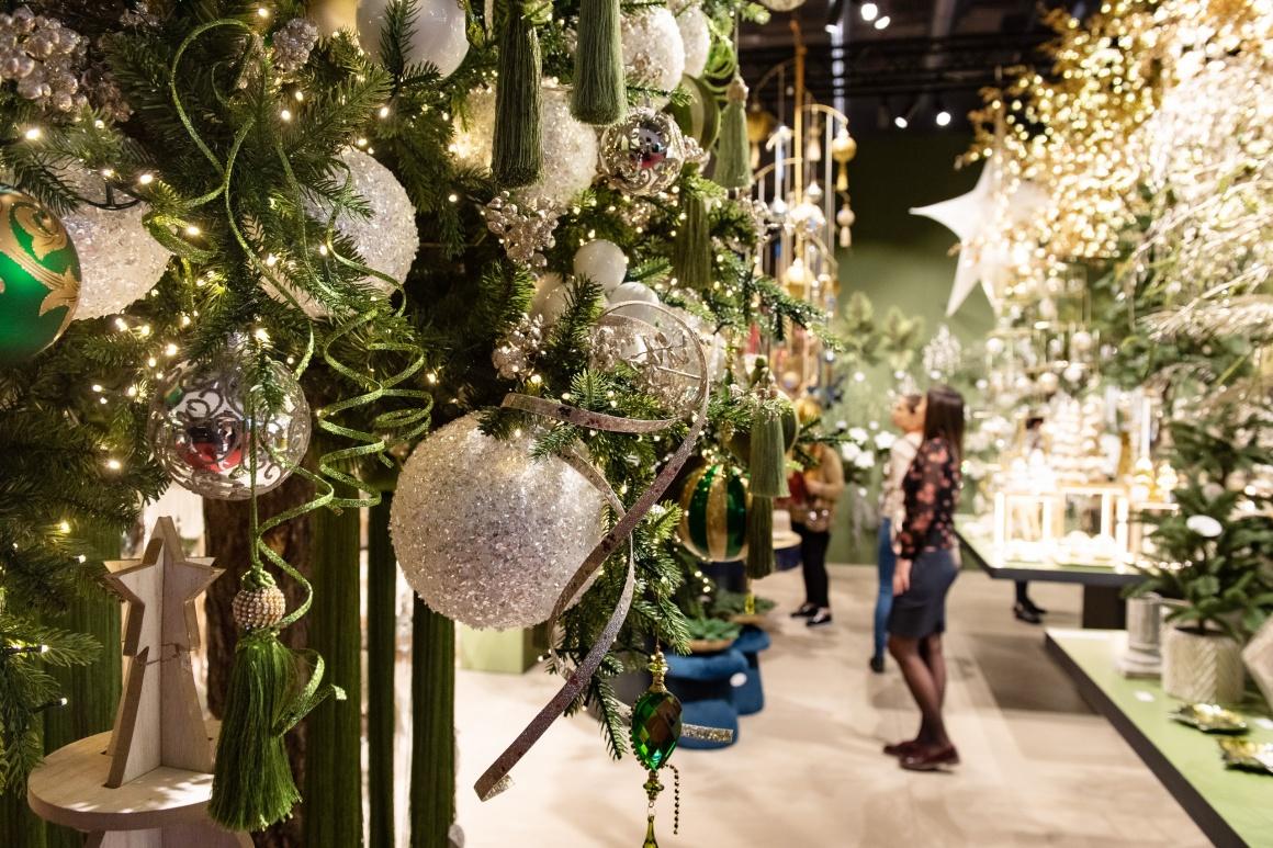 Christmas Decor Show 2021